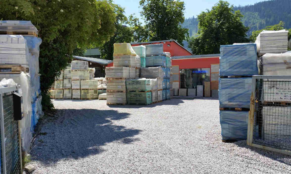 Hribar Fliesen Familienbetrien Tirol Lager Hall